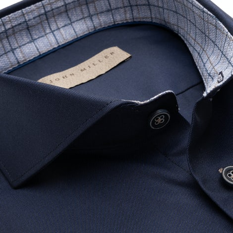 Dark blue tailored fit two ply shirt. 5138621-190-140-000