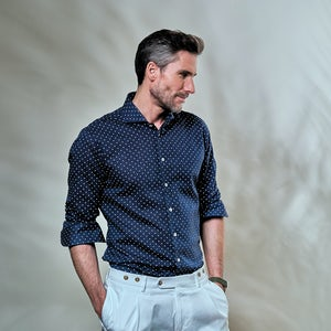 Dark blue print tailored fit shirt, with extra long sleeves, in a 55% linen / 45% cotton composition 5139191-180-000-000